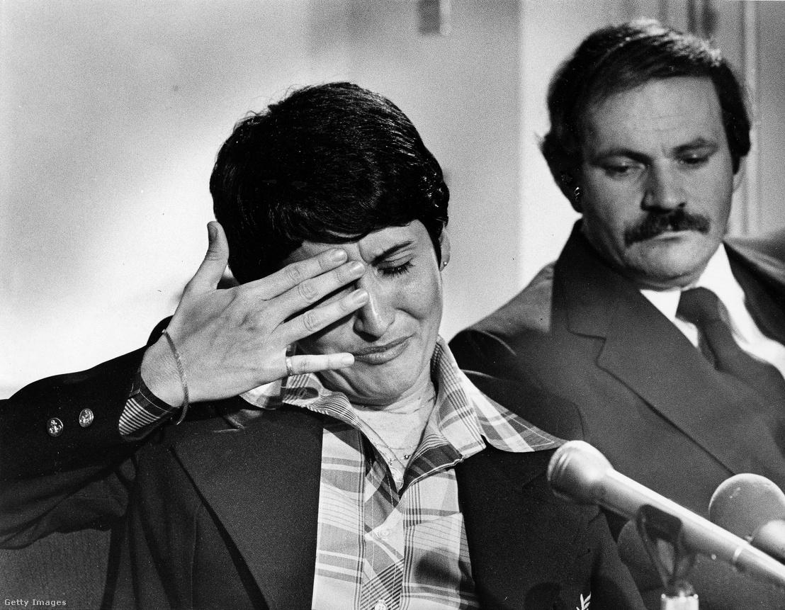 Ruiz a lebukása után tartott sajtótájékoztatón 1980 április 28-án