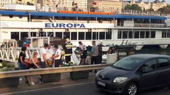 A Duna köveire esett egy külföldi Budapesten