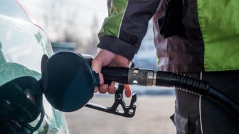 Nagyot csökken szerdán a benzin ára