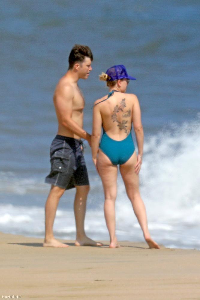 A 35 éves színésznőről és vőlegényéről egy New Yorkhoz közeli strandon vasárnap készültek ezek a képek.
