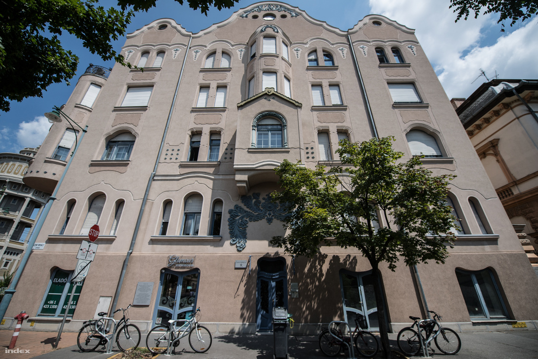 Móricz-ház, Raichle J. Ferenc tervei alapján épült 1910-ben. Szeged, Szent Mihály u. 9.