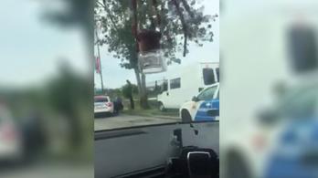 Üldözés után kapták el a menekülő fehér furgonos sofőrt