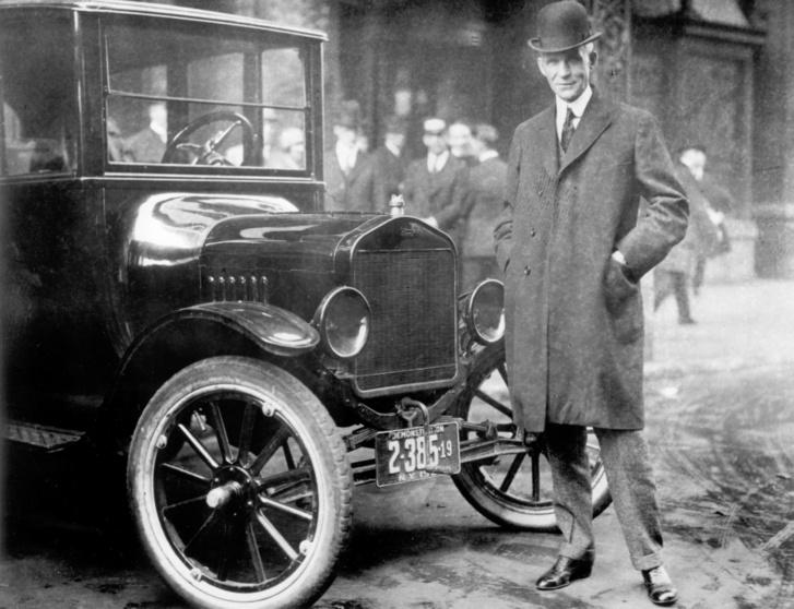 Henry Ford valamikor a történet idején