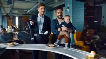 Két, a nemi sztereotípiákra rájátszó reklámot tiltottak be az angolok
