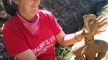 """Újabb """"monumentális"""" újkőkori istennőszobrot találtak Vitkovóban"""