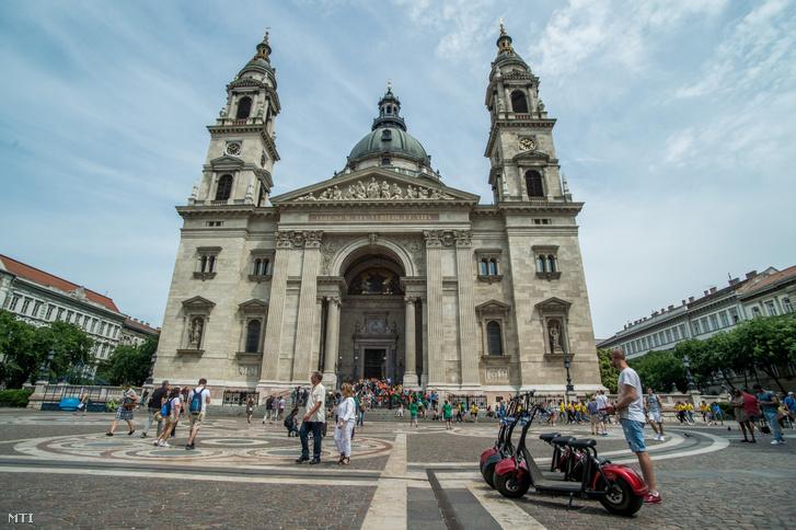 Kölcsönözhető elektromos kerékpár Budapesten a Szent István téren