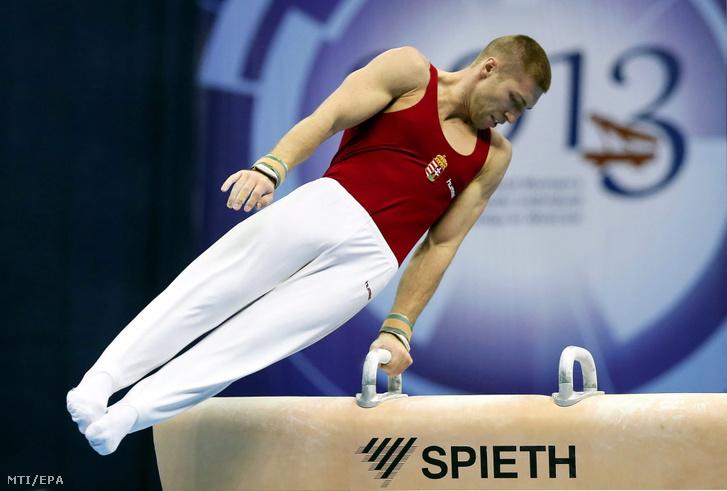 A lólengésben olimpiai bajnok magyar Berki Krisztián a szerenkénti döntőben a tornászok Moszkvában zajló Európa-bajnokságán 2013. április 20-án.