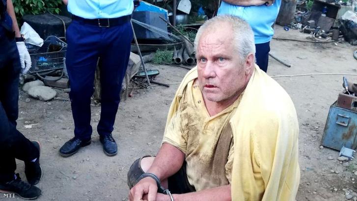 A román rendőrség által közreadott képen George Dinca a gyanúsított román férfi a tetthelyen 2019. július 26-án.