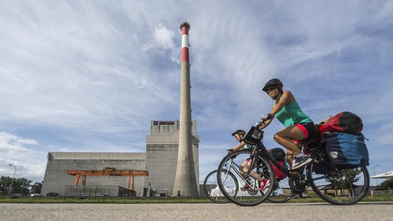 Benéztünk a világ legzöldebb és leghiábavalóbb atomerőművébe