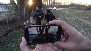 Telefonokkal forgott a menekültfilm
