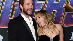 Egy bennfentes szerint hálószobai kudarc vezetett Miley Cyrusék válásához, új dala azonban másról árulkodik