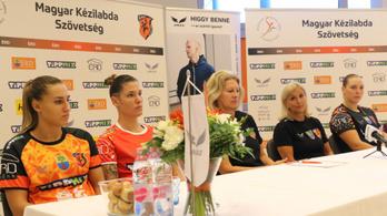Már női kézilabdacsapat is Mészáros Lőrinc-féle mezeket visel