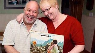 50 év után is együtt van a woodstockos lemezborítón megörökített pár