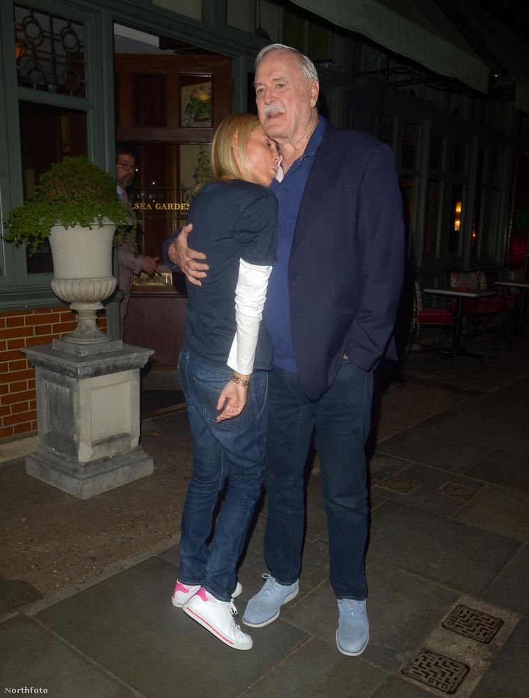 Cleese-nek egyébként a harmadik, bizonyos Alyce Eichelbergerrel kötött házassága volt a leghosszabb, 16 évig tartott