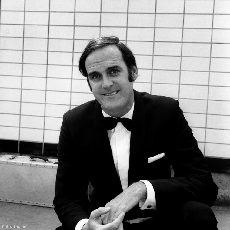 Ez a kép 1970-ben készült John Cleese-ről, aki ekkor a Monty Python repülő cirkusza című tévéműsort forgatta