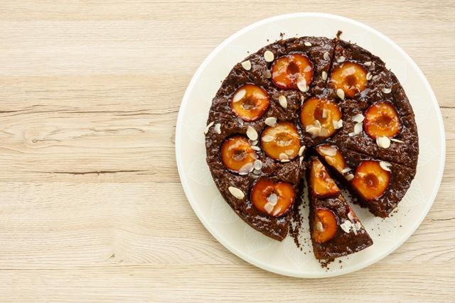csokis szilvás pite