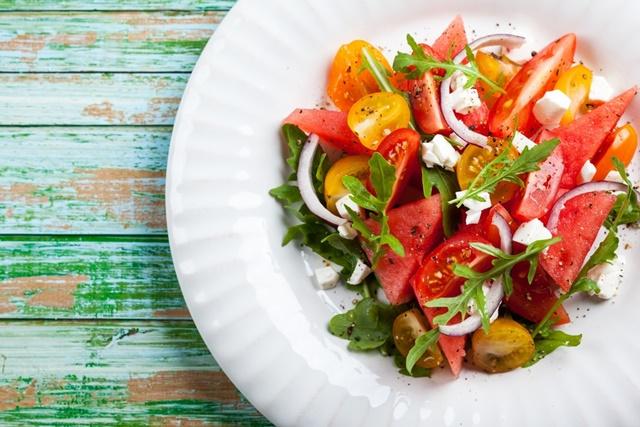 dinnyés saláta