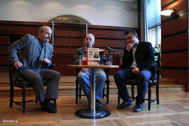 Oriold Károly kiadó, Rudas János szerző, Szász Áron szerkesztő