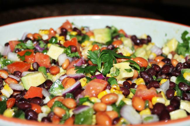 korianderes babos kukoricás saláta recept