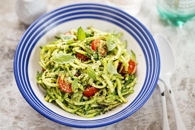 zöld pestos cukkintészta recept