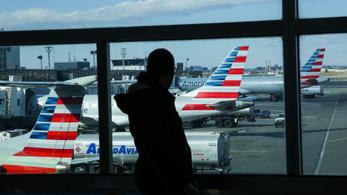 Négy órára leálltak a számítógépes rendszerek az amerikai nemzetközi repülőtereken