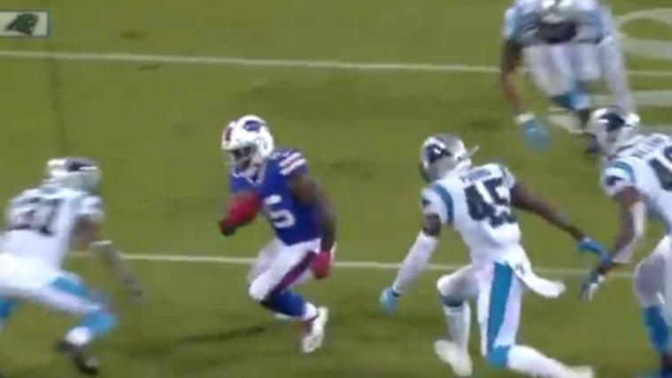 Egyetlen mozdulattal három védőt fektetett el az NFL-ben próbálkozó rögbis