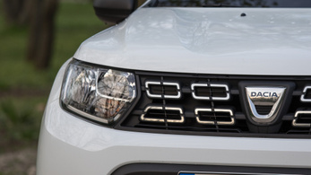 Közel már az első hibrid Dacia