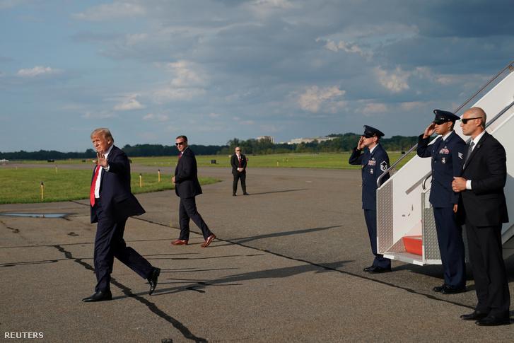 Donald Trump amerikai elnök érkezik a New Jersey-i Morriston repülőtérére, hogy megkezdje vakációját a Bedminsterben 20019. augusztus 9-én