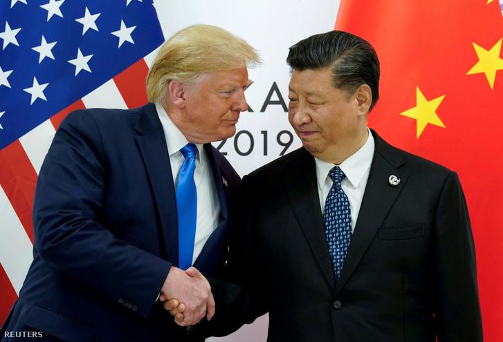 Az amerikai és a kínai elnök a G20-ak oszakai csúcstalálkozóján, 2019. június 29-én