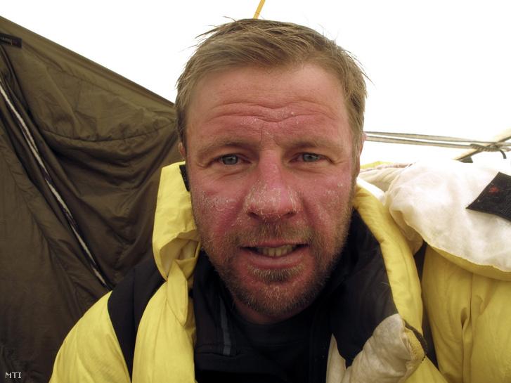 Török Zsolt a Nanga Parbat 2012-es sikertelen meghódításakor készült fotón (2012. június 21-i felvétel). A Török Zsolt vezette romániai expedíció végül 2013. július 19-én feljutott a Pakisztánban található 8125 méter magas csúcsra.