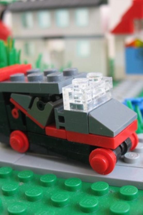 Csak az nem ismeri fel az A-csapat furgonját, aki a sorozatot sem ismeri. Az egész egy gyufásdobozban is elfér, mégis viszaadja a formát...