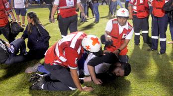 Hárman meghaltak, tízen megsérültek egy hondurasi futballmeccs előtt