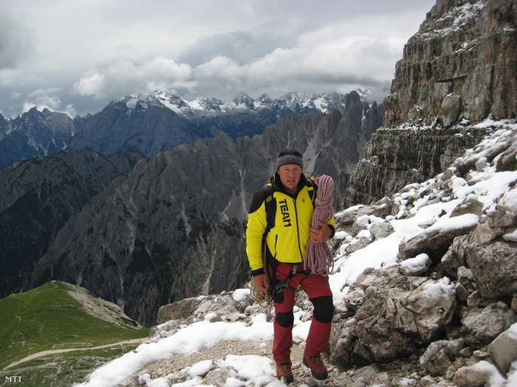 Török Zsolt a svájci Matterhorn csúcsának megmászása közben 2013-ban