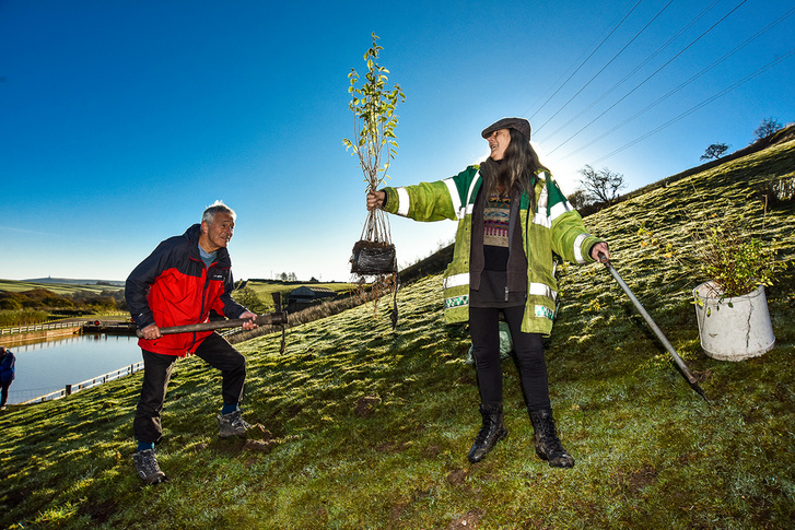 Yorkshire-Water-tree-planting-above-Gorpley-reservoir-in-Calderd