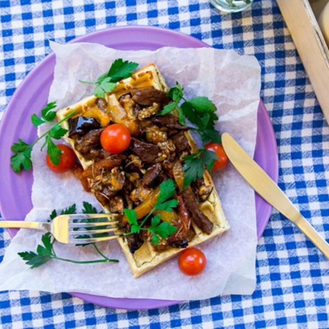 Sós gofri grillezett zöldségekkel az idei nyár kedvence