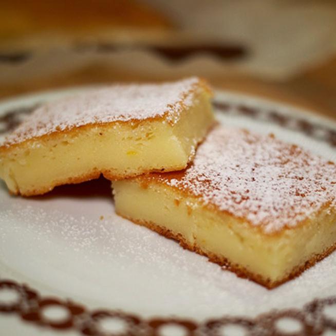 Remegős citromos sütemény, amivel nagyon nehéz leállni - Kimérni sem kell nagyon
