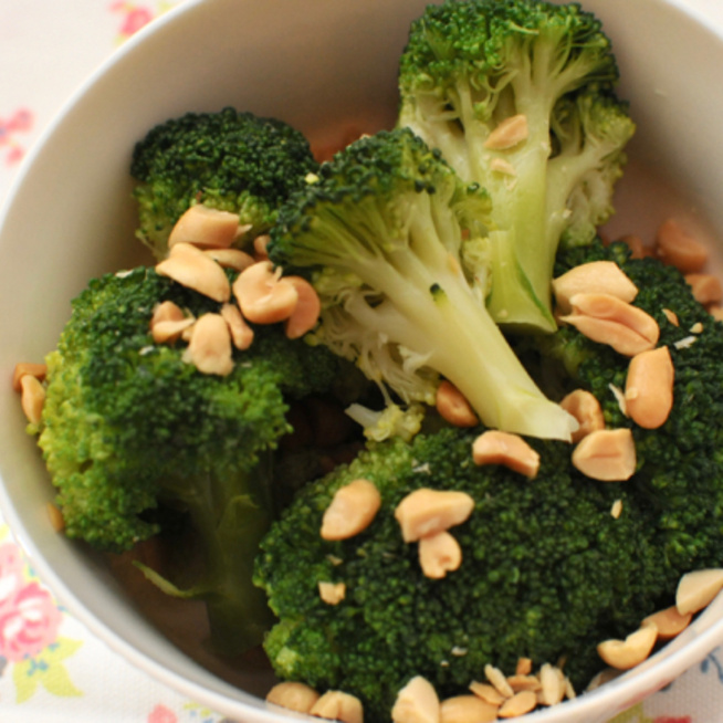 Ki mondta, hogy a párolt brokkoli unalmas? Ropogós és szép zöld is lehet