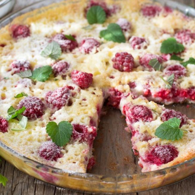 Málnás clafoutis - magyarul tejpite, és öt perc munkával kész a süti