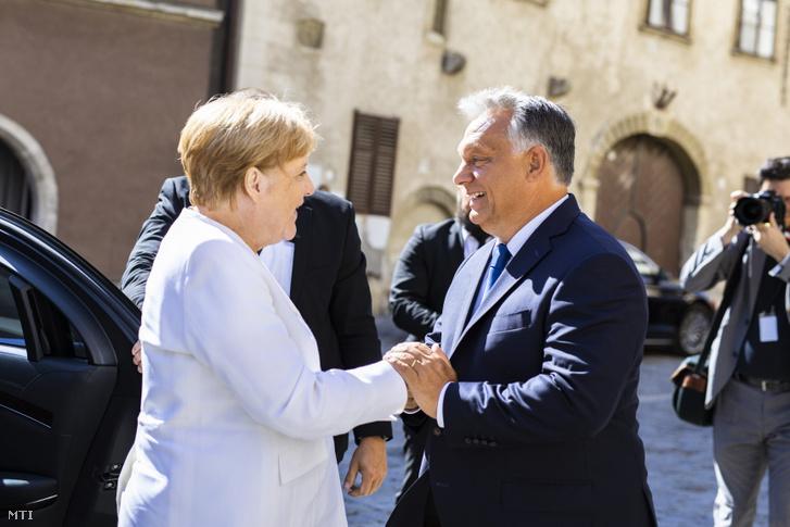 Orbán Viktor kormányfő fogadja a Páneurópai Piknik 30. évfordulója alkalmából érkező Angela Merkel német kancellárt Sopronban 2019. augusztus 19-én.