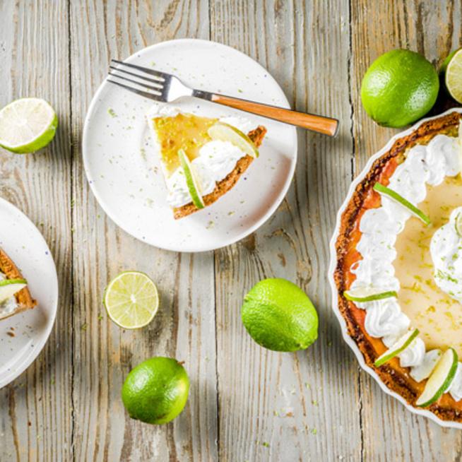 Krémes, lágy lime-os sajttorta: könnyen lehet szeletelni