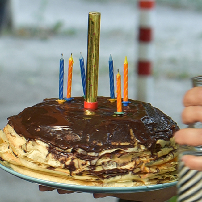 Mogyorókrémes, lekváros rakott palacsinta: tortának is beillik
