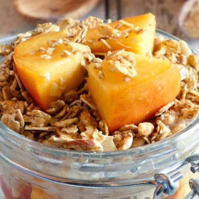 Nincs idő a reggelivel molyolni? 3 perc alatt csuda finom zabkása készülhet
