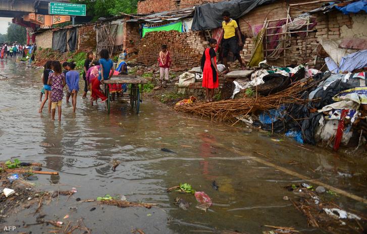 Sokan meghaltak Indiában az árvíz miatt
