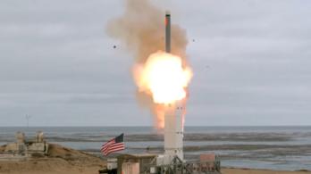 Közepes hatótávolságú rakétával kísérletezett az USA