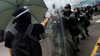 A tárgyalásokban látja a káoszból kivezető utat Hongkong vezetője