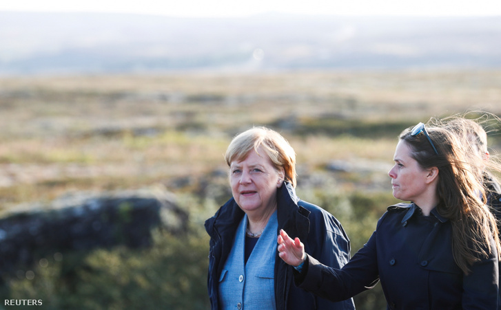 Angela Merkel (balra) és Katrin Jakobsdottir, izland miniszterelnöke a reykjavíki találkozójukon 2019. augusztus 19-én