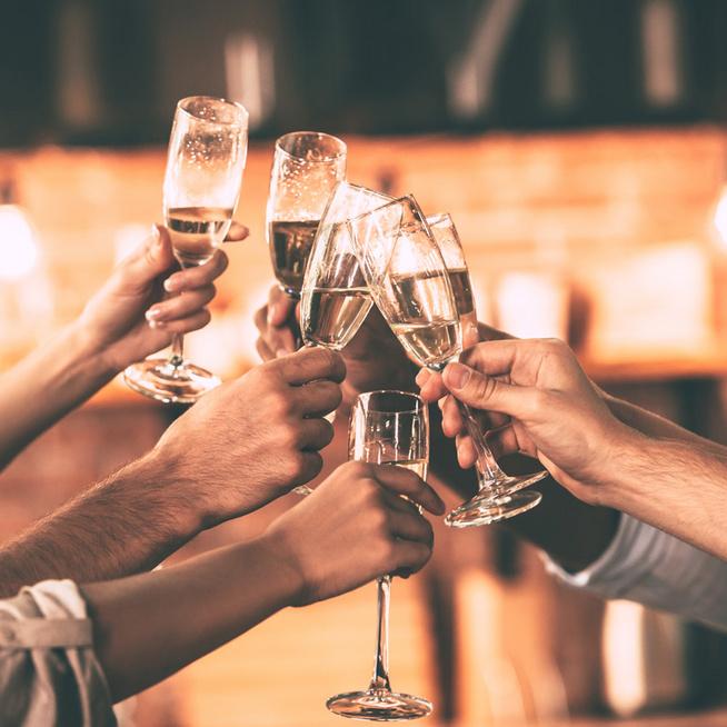 Szilveszteri és újévi gasztrobabonák - mit együnk, igyunk, hogy bőséges és boldog legyen az újév?