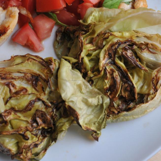 Még biztos sosem grilleztél salátát, pedig kéne - 5 perc alatt kész