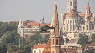 Légi díszelgés Budapest felett