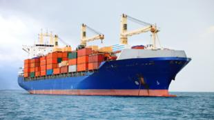 Hetedére csökken a hatalmas tengerjáró hajók kénkibocsátása